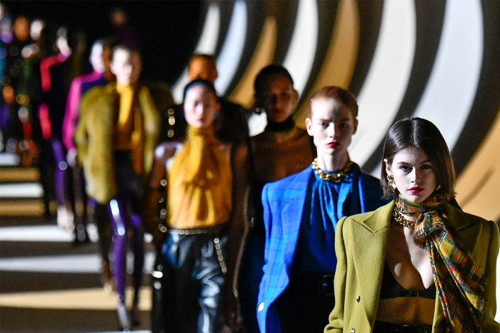 後疫情時代:遠離傳統之路,未來時裝週會面目全非嗎?
