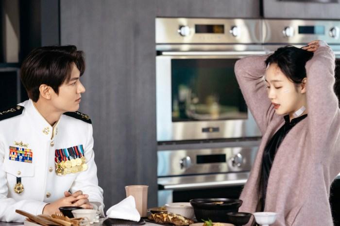 韓劇史上最性感之吻!李敏鎬突然親吻金高恩頸部,讓網民看得興奮又害羞!