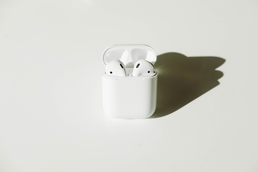 apple airpods pro spatial audio auto switch wireless earbuds WWDC 2020