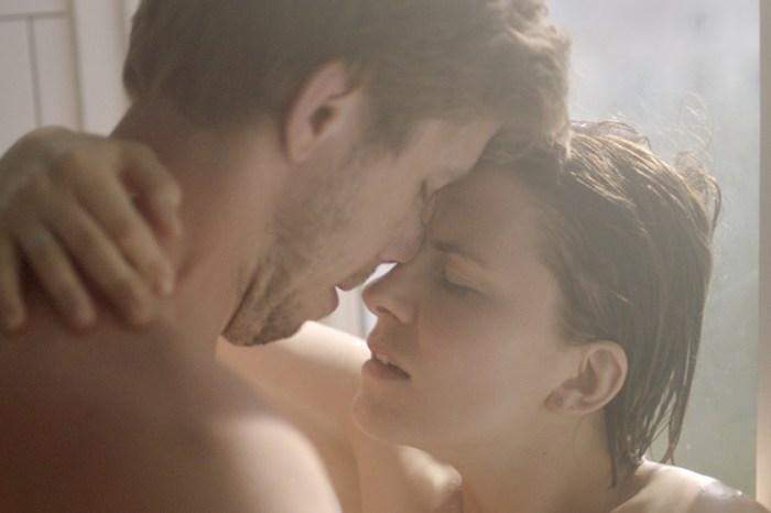 電影版《夫妻的世界》:情節畫面更大膽,《Fidelity》講述的是女性情慾自主!