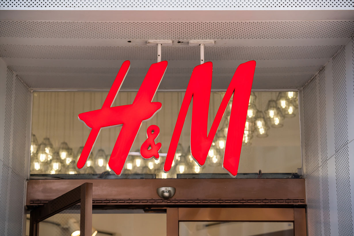 H&M suffers steep loss as pandemic hits sales