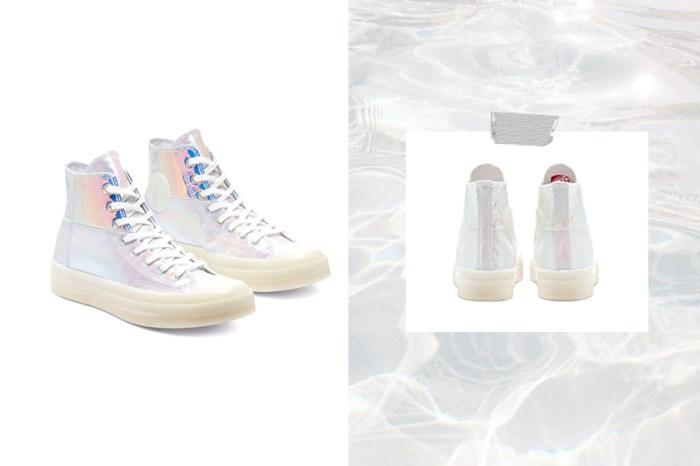 微微透出珍珠光:這款堪稱最夢幻的 Converse,如同踩著一雙玻璃鞋!