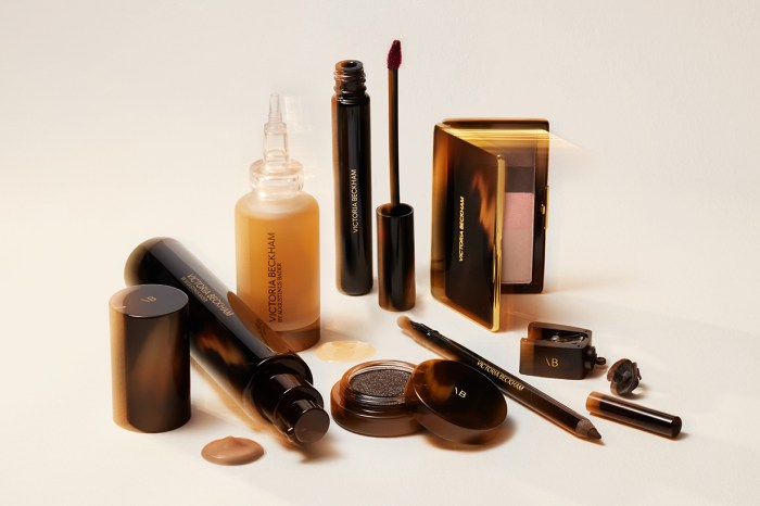 Victoria Beckham 與護膚品牌 Augustinus Bader 合作!推出奢華美妝品