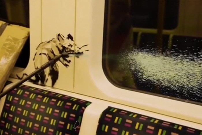 Banksy 再為疫情進行創作,神秘的他更把整個過程拍下來!