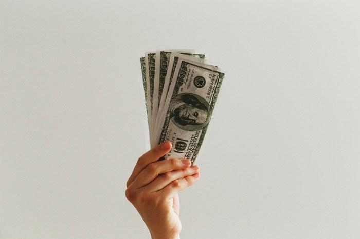 面對全球經濟情況,你要堅守的就是這 3 個理財好習慣!