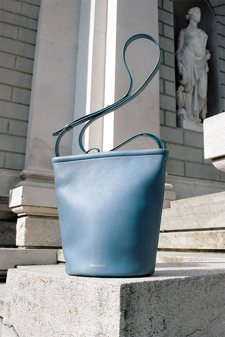 MANSUR GAVRIEL'S NEW ZIP BUCKET BAG IS ABOUT TO BECOME A MINIMALIST FAVORITE