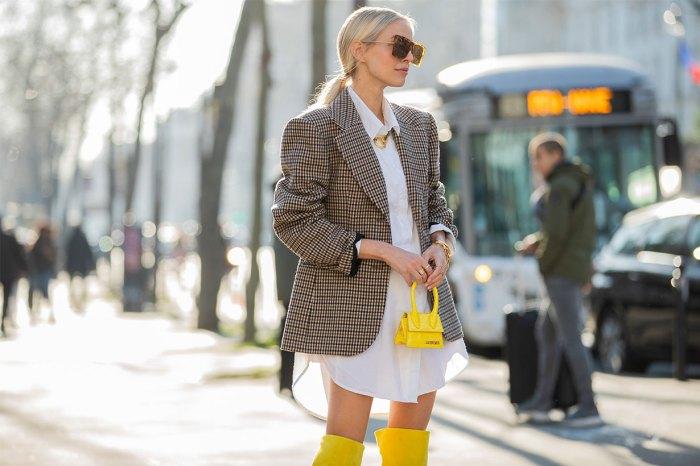 小手袋已攻陷時尚界:就算只能放下唇膏、鎖匙,它們也令人抗拒不了!