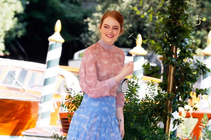 照片裡的肚子藏了亮點,Emma Stone 是下一位荷里活新手媽媽?
