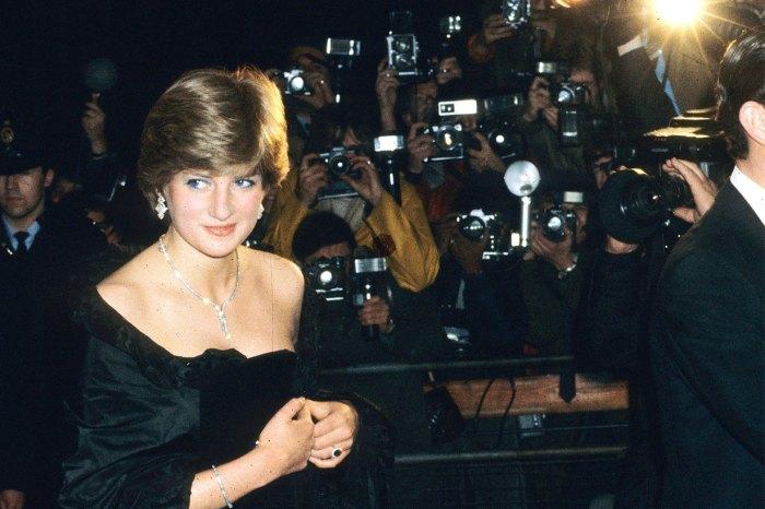 尺度超出王室界限?戴妃穿著黑色低胸禮裙赴宴,曾惹外界爭議!
