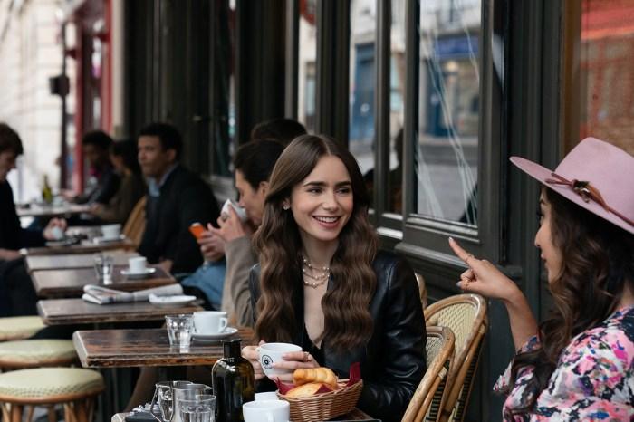 從《Emily In Paris》中,看出法國女生們隨性自然的妝容重點!