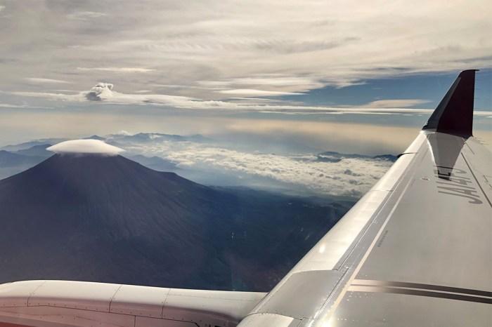 一覽富士山的無敵美景:這個航班只在國內飛行,卻引來日本女生熱烈歡迎!