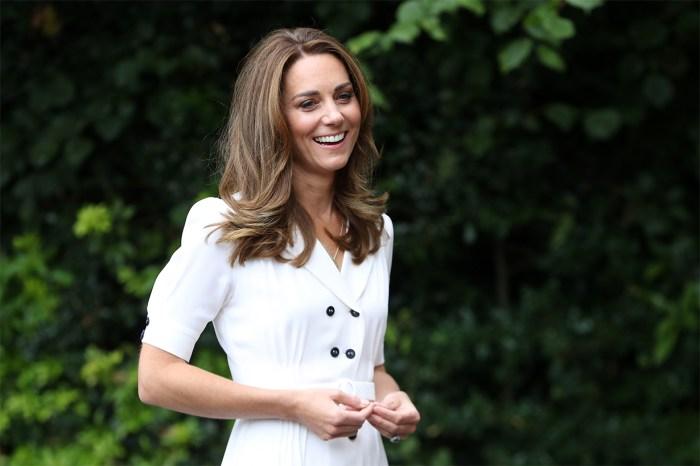莊重的黑白色造型,凱特王妃也用細節穿出時尚感!
