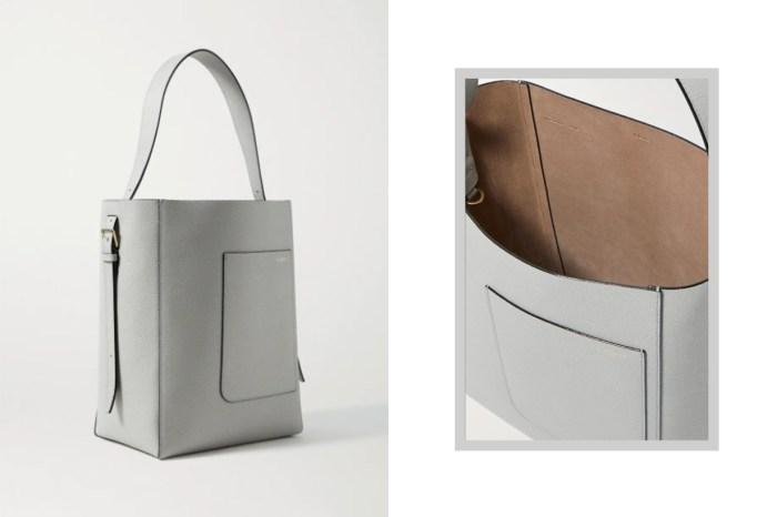萬元港幣入手:這款淺灰色皮革手袋,是完美的低調奢華投資款!