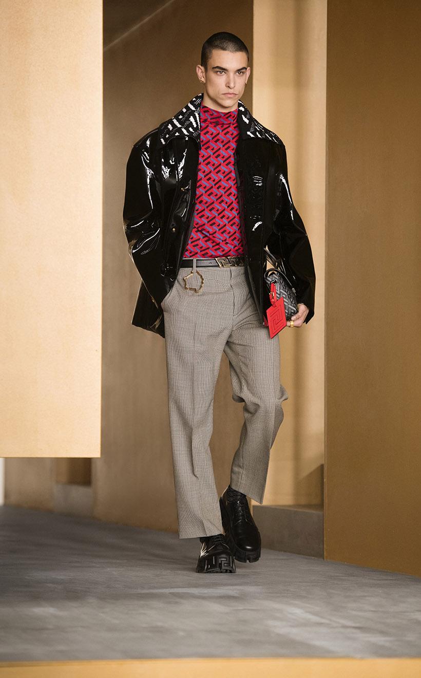 Versace 2021fw Fashion Show Runway La Greca New Monogram