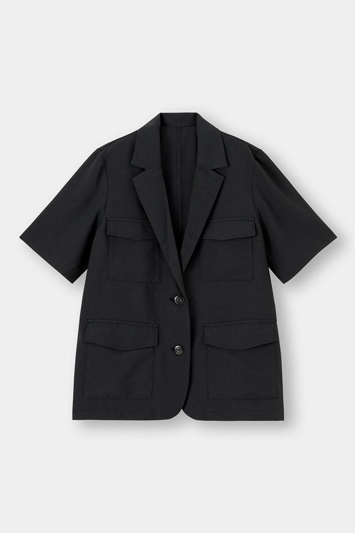 GU Short Sleeve Blazer Jacket 2021 Spring Summer Fashion Items styling tips