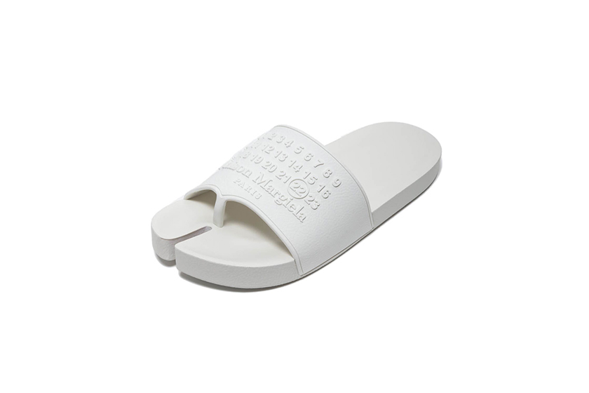 Maison Margiela Tabi slide in white