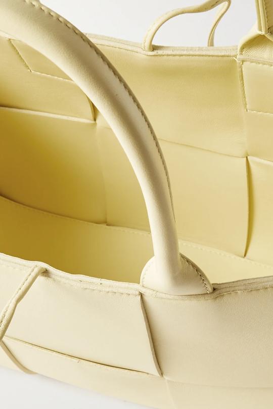 bottega-veneta-arco-small-intrecciato-leather-tote