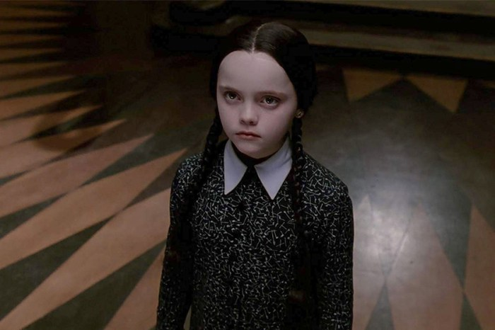 Netflix 推出《愛登士家庭》衍生劇,找來這位新生代演員當女主角 Wednesday!