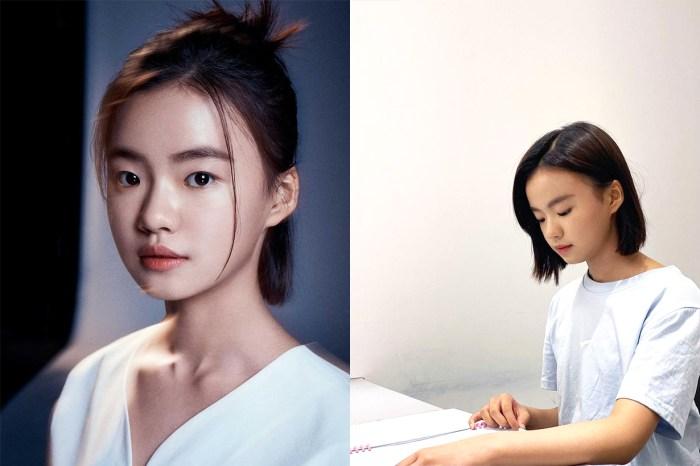 《屍戰朝鮮:雅信篇》中飾演少女版全智賢的她,只有 13 歲卻是演技備受肯定的小影后!