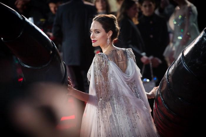 人美心也美:出道近 30 年,Angelina Jolie 為什麼在此時開了 IG?