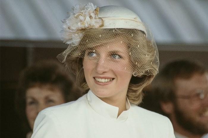 「確定不是戴安娜王妃舊照?」《The Crown 5》劇照釋出,Elizabeth Debicki 比你想像的更神似!