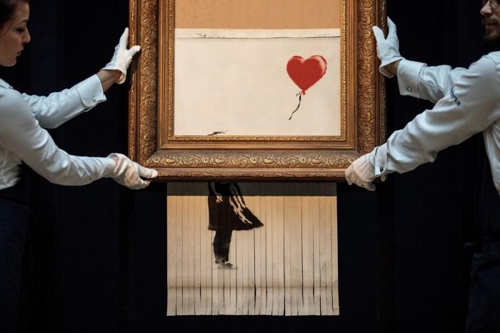 Banksy《Love is in the Bin》絞碎後再登上拍賣,估價卻翻了好幾倍!