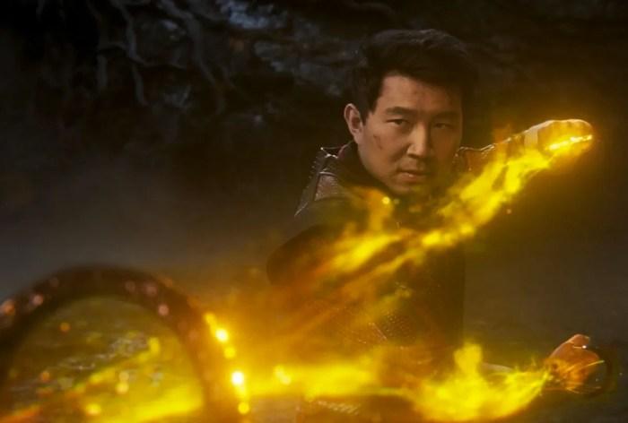 Marvel 最強被取代?《尚氣與十環傳奇》出現了比雷神之錘更強大的武器!