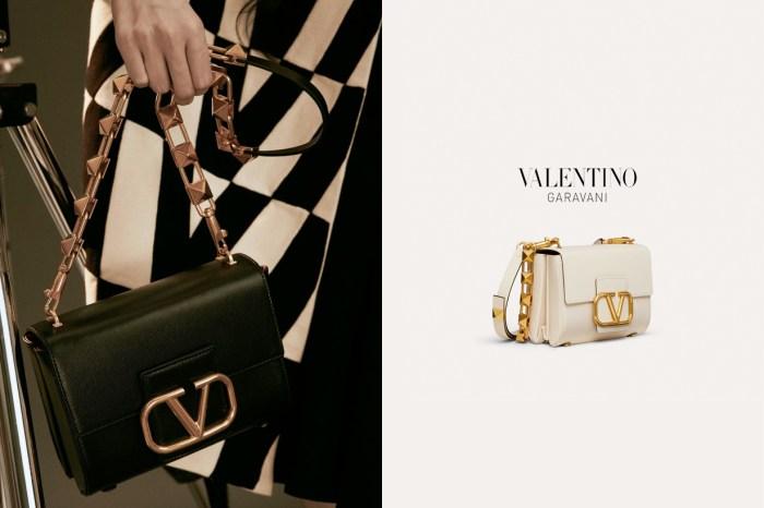 只因一個細節引注目:Valentino 新手袋金屬鏈,美得無可救藥!