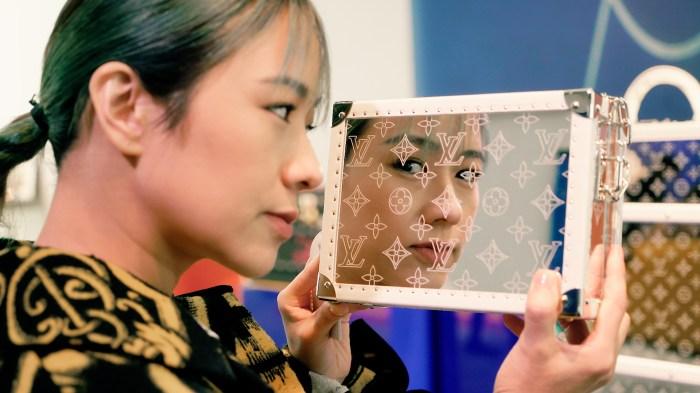 跟著林嘉欣遊走於 Louis Vuitton Savoir Faire 中,與你分享她的創意和靈感!