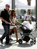 halle berry and daughter nahla ariela aubry at the zoo