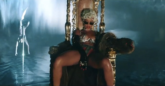 "Rihanna ""Pour It Up"""
