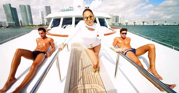"Jennifer Lopez ""I Luh Ya PaPi"""