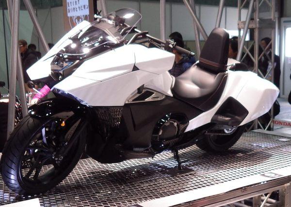 Honda NM4 02