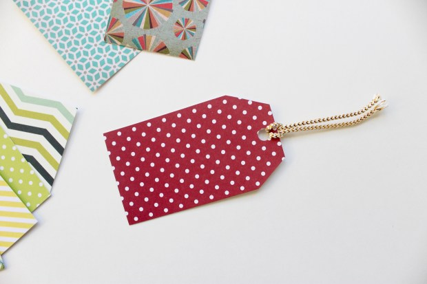 DIY last minute holiday gift tag present idea from Popcorn & Chocolate