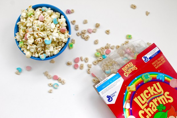 Lucky Charms Popcorn | Popcorn & Chocolate