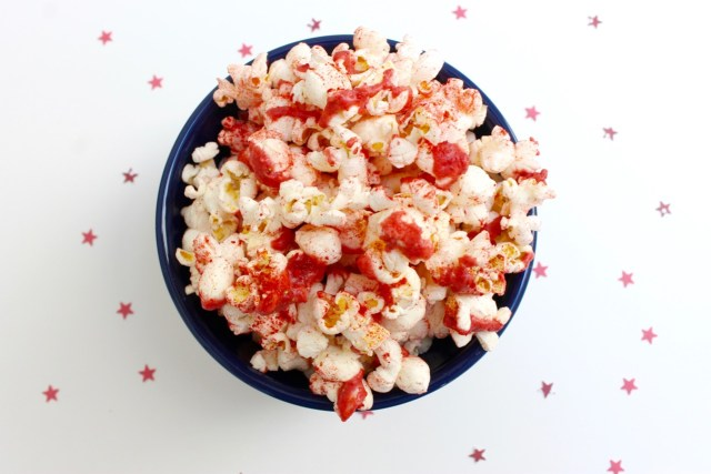 Holiday Popcorn | Popcorn & Chocolate
