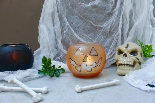 cauldron and jack-o-lantern candle holder | Popcorn and Chocolate