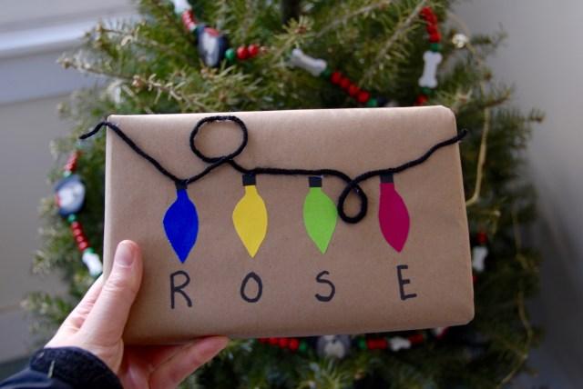 Christmas lights gift wrap | Popcorn and Chocolate