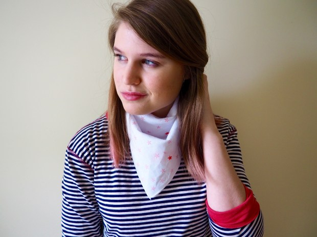 Easy Star Bandana for the 4th of July   Popcorn and Chocolate