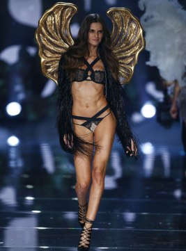 VS - 2015 - Portrait of an Angel - Izabel Goulart