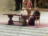 benedikt-emeritus-xvi-erzaehlt-vom-konzil_audienz_priester