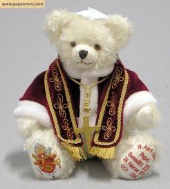 pope-benedict-XVI-teddybaer-2013