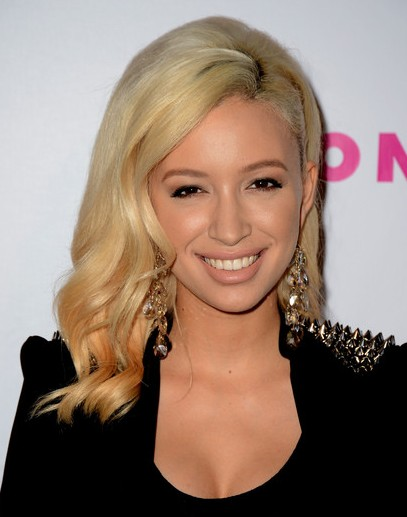Christian Serratos Medium Hairstyles PoPular Haircuts