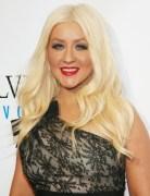 Christina Aguilera Long Wavy Haircuts