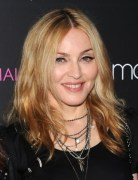 Madonna Blonde, Shoulder-Length Hairstyles for Fine Hair