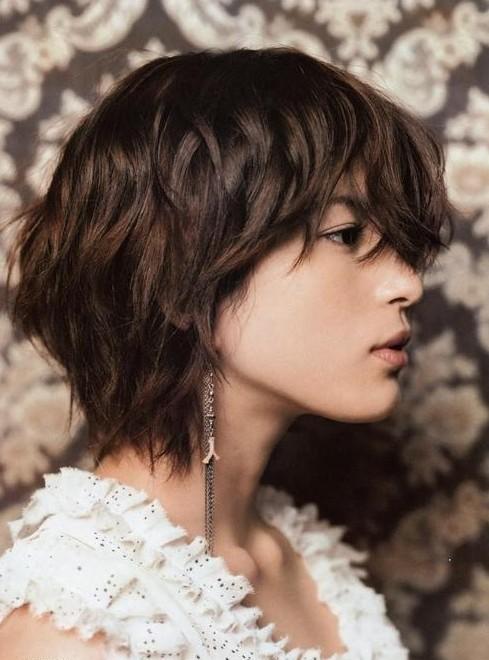 Short Hair On Neck Short Layered Haircuts Popular Haircuts