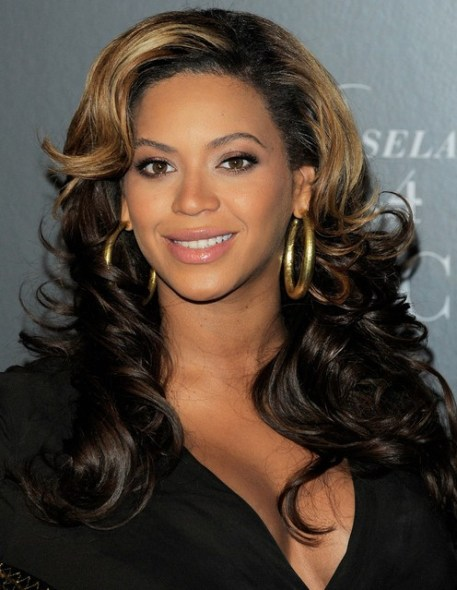 Beyonce Knowles Long Hairstyles: Curls with Side swept Bangs