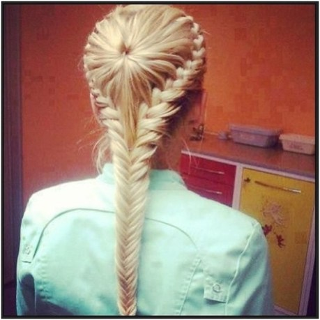 French Fishtail Braided Hairstyle for Summer to Fall