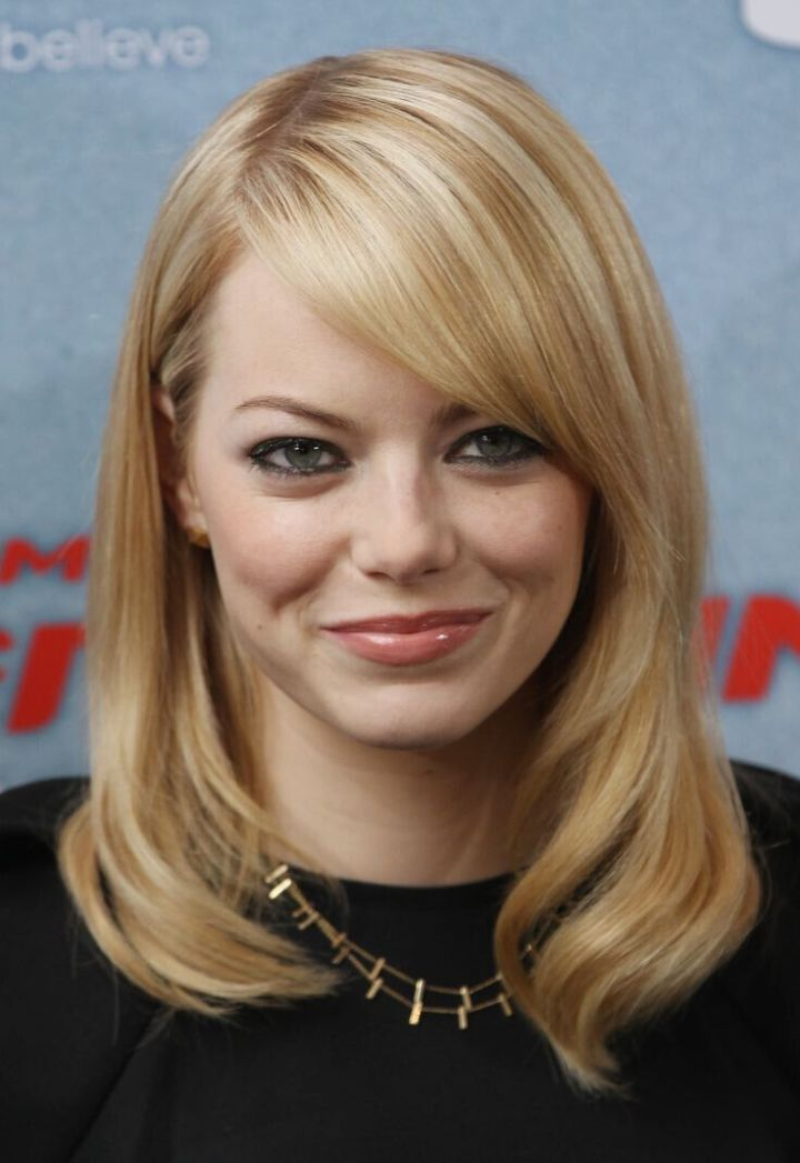 Medium Straight Hair Cuts For Fine With Side Bangs Celebrity Hairstyles Round Faces