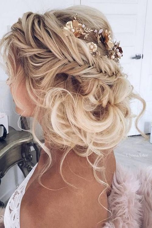 Bridal Wedding Hairstyles with Braid - long and loose waves
